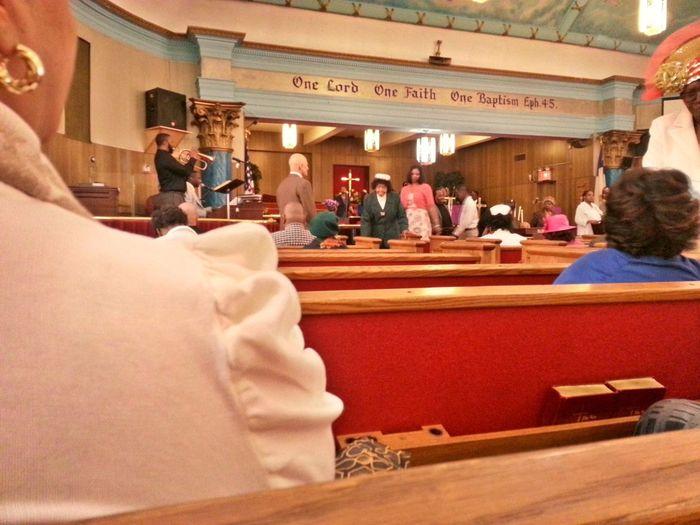 Una messa Gospel è meglio di una serata al Papeete