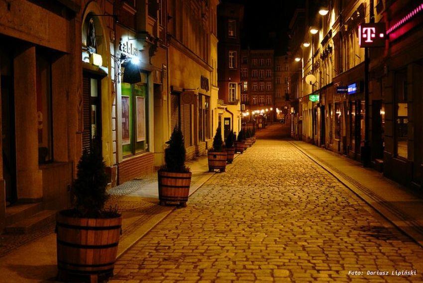 Wałbrzych by night 📷 Sony A68 Dariusz Lipiński Wałbrzych Dariusz Lipiński Photostreet City Illuminated Luxury Hotel Luxury Celebration Architecture Built Structure Street Light