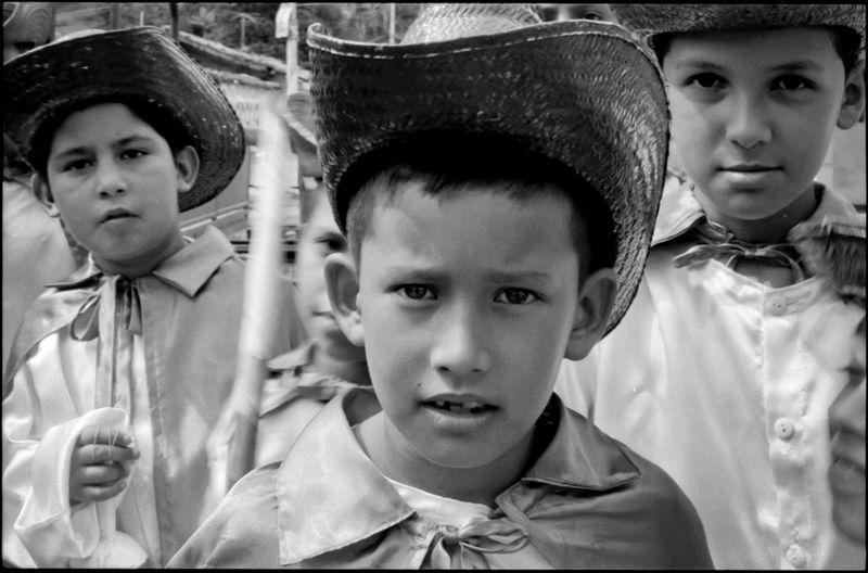 Mesa Bolívar, Merida State - Venezuela / © Aaron Sosa www.aaronsosaphotography.com www.aaronsosablog.com Assignments Check This Out Portrait Taking Photos Venezuela Photography Black And White Children Mérida