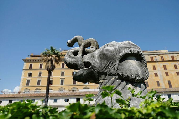 Statue Elephant