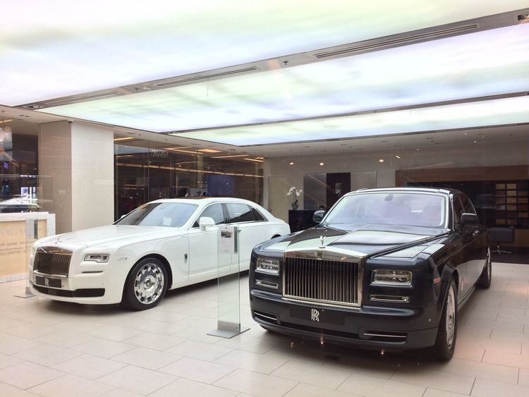 Rollroyce Land Vehicle Car Mode Of Transport Transportation Stationary Parking City Parked Sky Vehicle In Front Of No People