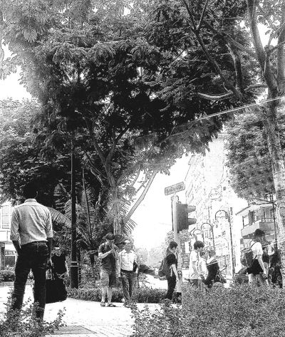 Singapore Streetphotography Monochrome Monochrome Collection Eyeem Monochrome Shades Of Grey