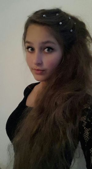 Me Selfie Selfportrait Style My Hair Modelling Myeye Long Hair Model Pose Smyle