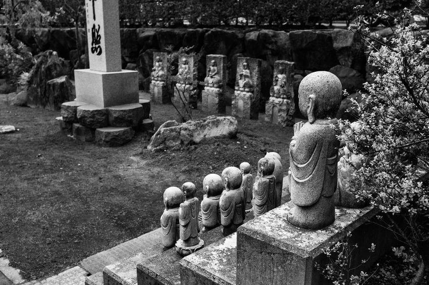 お地蔵さん Japan Art Phtography Monochrome Jizo Streetphotography Snap Snapshots Of Life 日本 福井県 写真家 Phtographer モノクロ Blackandwhite Hello World EyeEmBestPics