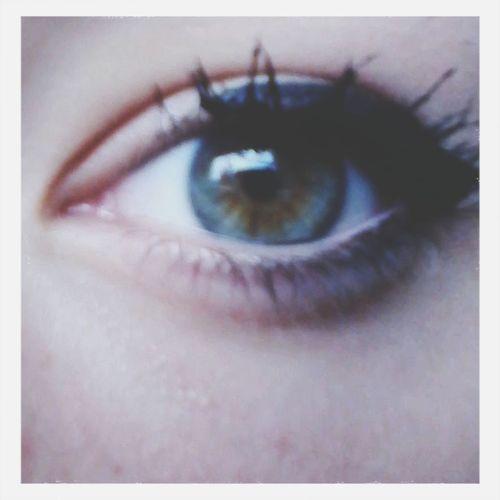Browneyes Eye Makeup. Rarw :3