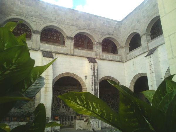 """""""Antes de que nos olviden haremos historia"""" Convento Convent Malinalco Mexico Lostplaces Shadows & Lights Share Your Adventure Alone Historic Relaxing Check This Out Streetphotography Hoja Alone In The City"""