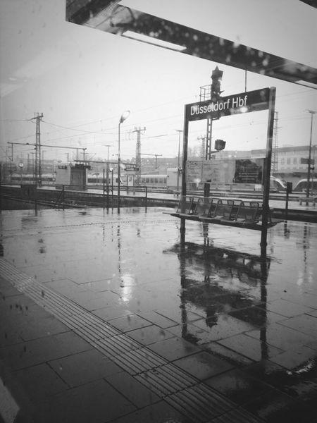 rainy day in düsseldorf