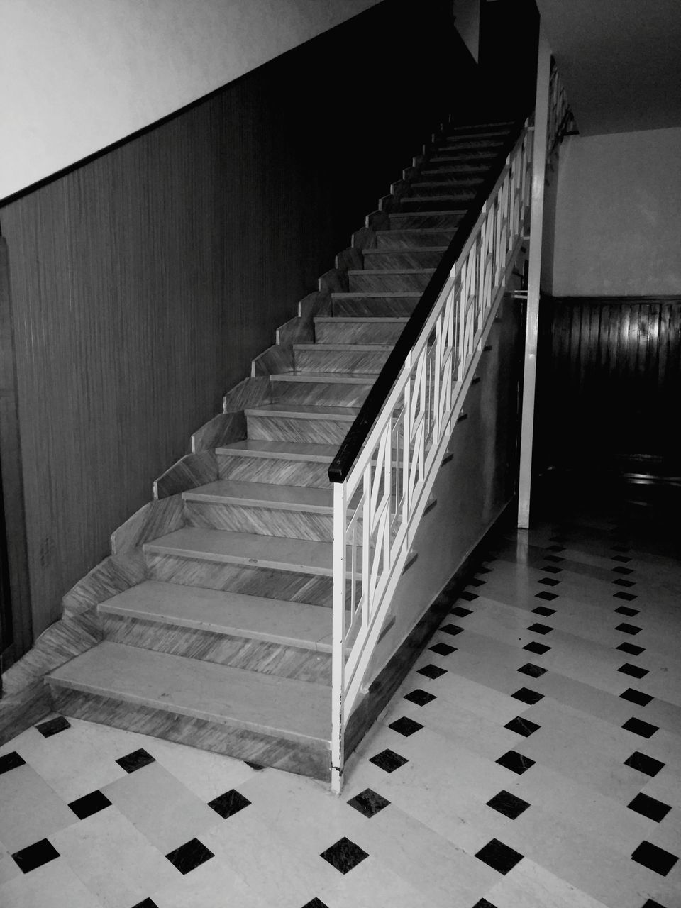 steps and staircases, in a row, steps, staircase, indoors, no people, built structure, the way forward, architecture, day