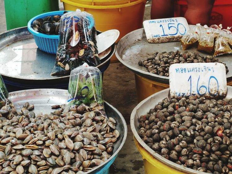 Green Blue Color Orange Mussels Clams EyeEm Selects Price Tag Market Choice Retail  For Sale Close-up Market Stall Stall Street Market Vendor Flea Market Farmer Market Market Vendor