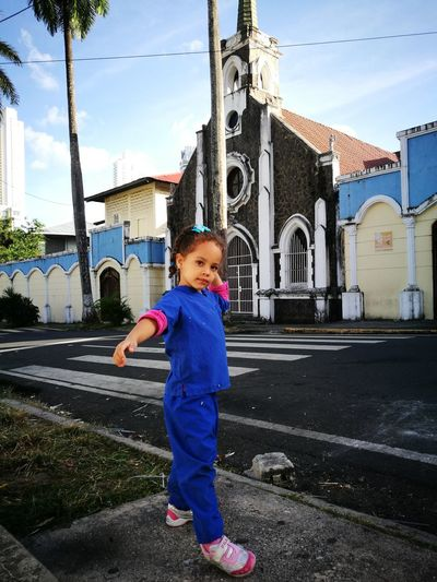 Allegra sale de la escuela😊💗🆒 Baby Babies Only Childhood Child Huawei HuaweiP9 Huawei P9 Leica Children Only Panama City Children Childrenphoto Collection