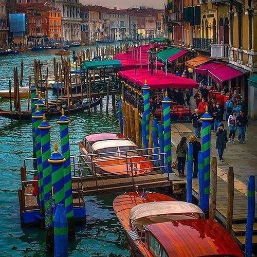 venezia#vacanze#magica amore#gondole#mare#panorama#canali#acqua#motoscafo #barca#bella vita#bel paese #casino#ristoranti#bar#San Marco#Serenissima#laguna#