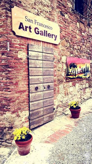 art gallery Montalcino.