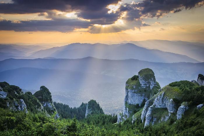 Evening Light Mountain View Rays Of Light Sunlight Beauty In Nature Cloud - Sky Hills And Valleys Horizon Landscape Mountain Mountain Peak Mountains And Sky Nature Rays Of Sunshine Rays Of The Sun Scenics Sky Sunbeam Sunrise Sunset Tranquil Scene Tranquility