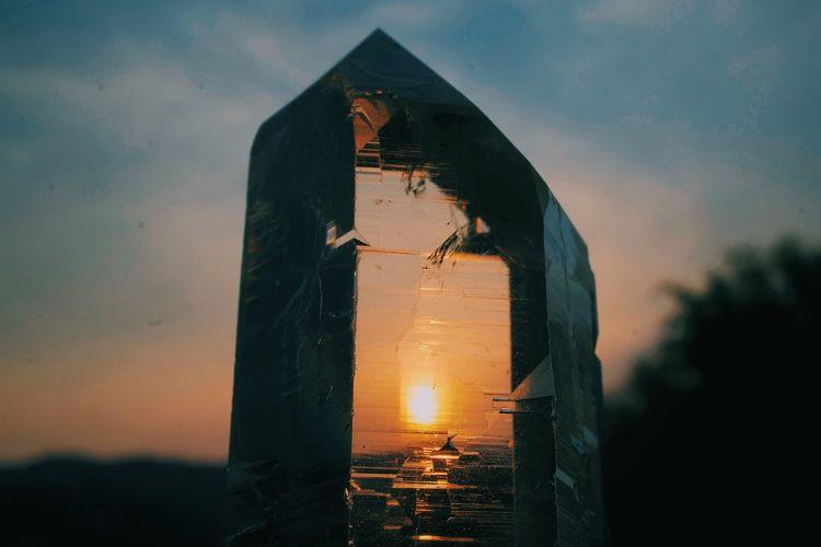 Crystal Crystals Quartz Kristal Spiritual Spirituality Magic Gemstones Sun Light Holy