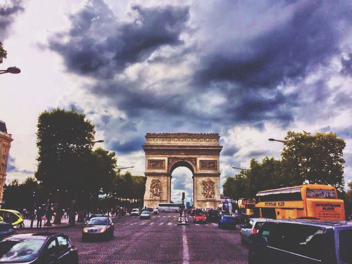 Paris Triumphal Arch Triumphboden Traveling Streetphotography Sky Reisen