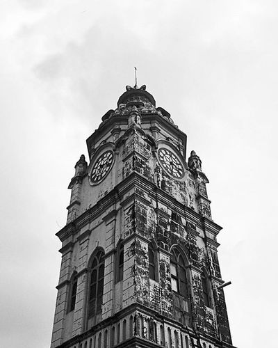 "S I D H P U R ▒▒▒▒▒▒▒▒▒▒▒▒▒▒▒▒▒▒▒▒▒▒▒▒▒▒▒▒▒▒▒▒▒▒▒▒ ""ọĿԀ ɞȗṭ ṅọṭ ọɞṡọĿєṭє."" (Part 1/3) ▒▒▒▒▒▒▒▒▒▒▒▒▒▒▒▒▒▒▒▒▒▒▒▒▒▒▒▒▒▒▒▒▒▒▒▒ ❇ᴛʜᴇ ᴄɪᴛʏ ɪs ᴋɴᴏᴡɴ ғᴏʀ ɪᴛ's ʜᴀᴠᴇʟɪsɪɴ ʜᴀᴄɪᴇɴᴅᴀ ᴀʀᴄʜɪᴛᴇᴄᴛᴜʀᴇ ʟᴀʀɢᴇʟʏ ʙᴇʟᴏɴɢɪɴɢ ᴛᴏᴅᴀᴡᴏᴏᴅɪ ʙᴏʜʀᴀᴄᴏᴍᴍᴜɴɪᴛʏ ᴀɴᴅ sᴘʀᴇᴀᴅ ᴏᴠᴇʀ 18ᴍᴏʜᴀʟʟᴀsᴏʀ ɴᴇɪɢʜʙᴏᴜʀʜᴏᴏᴅs. • ▒▒▒▒▒▒▒▒▒▒▒▒▒▒▒▒▒▒▒▒▒▒▒▒▒▒▒▒▒▒▒▒▒▒▒▒ Phoneonly Nexus Igersgujarat Mydarksquare Afadingworld VSCO Vscogrid Vscocam Photography PhonePhotography Mobilephotography Illgrammers Way2ill Travel Wanderlust Serendipity Throwback Gujarat Nirmalgujarat Tower Architecture Symmetrical Polarr Snapseed Streetphotography urban monochrome"