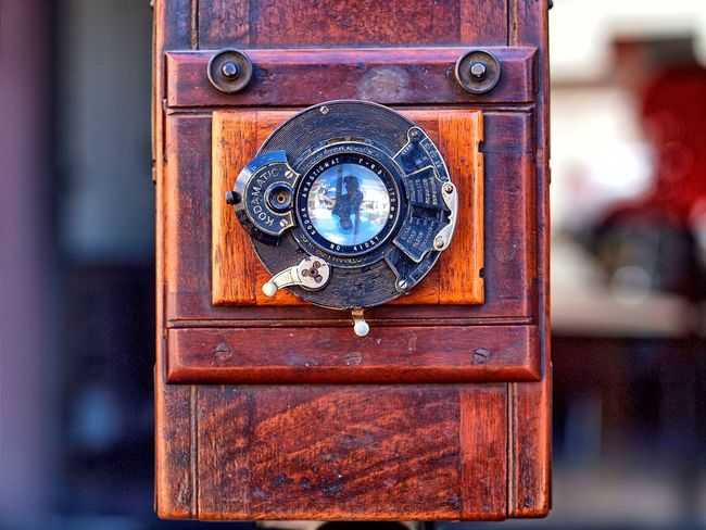 Close-up Circle Door Safety Outdoors No People Day Protection Full Frame Camera - Photographic Equipment Macro Photography Lendscapephotography Photography Themes Antique Camera Antique Shop Antiques Lens - Optical Instrument Retro Styled Old-fashioned Focus On Foreground Lensculturestreets