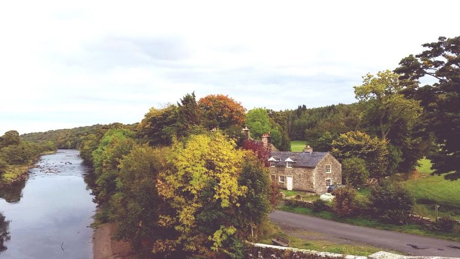 Northumberland Converted Barn England🇬🇧 Countryside Autumn Leaves River Tyne
