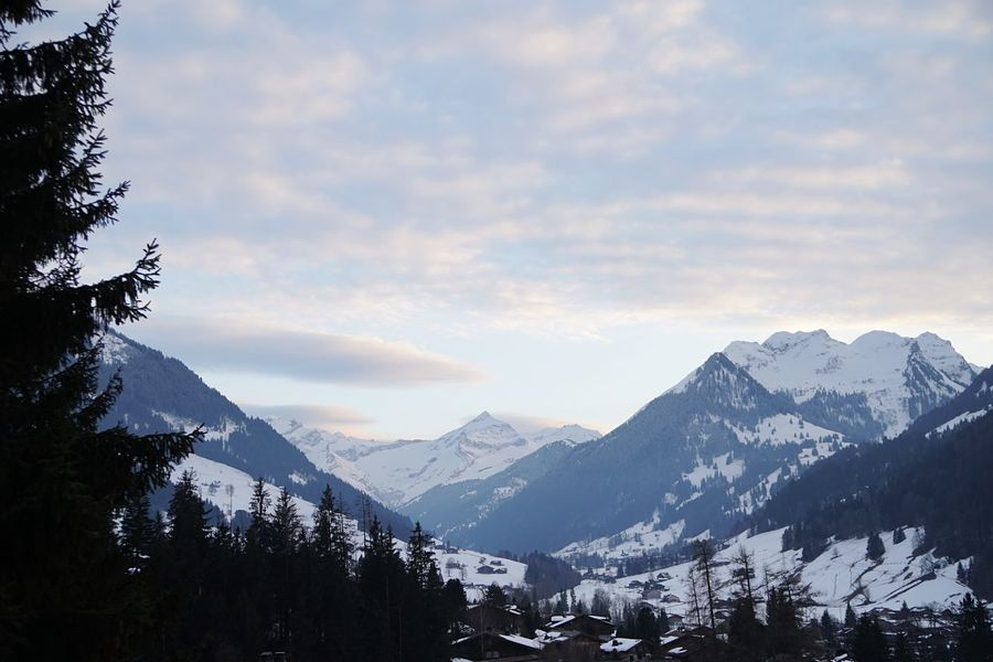 Layers of clouds I❤️Gstaad Bolonie Style Bolonie Bolonie Art Mountain Snow Cold Temperature Winter Nature Beauty In Nature Sky Mountain Range Tranquil Scene Tranquility Scenics No People Outdoors Landscape Day Tree Range