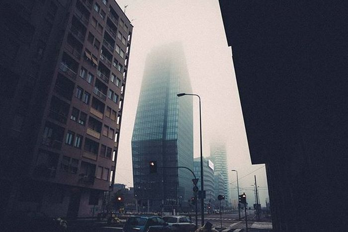 I really love these foggy days in Milan! This is the first photo of today series about Milan, the city in which I work and live. But I want to ask you: Do you prefer three or one photo a day? let me know please! thank you 👍😆 Foggy Skyscraper Vscoaward Milano Igersmilano Travelmore Thisisitaly Exploring_the_earth Lightlovers Visualauthority Shotaward Passionpassport Editoftheday Cityscape Photooftheday Everydayeverywhere Exploreeverthing Everydayinpics Streetphotography Superhubs Explorethecreative Instamagazine_ Visualsoflife Premiumposts Thecoolmagazine ig_gods vscofilm vscocommons instagram artofvisuals @viaualauthority @livefolk @nikontop @vscoauthentic @the_artistsway @vscogood_ @MobileMag @superhubs @visualoflife @inspirationcultmag @theimaged @instagram @igersmilano @igersitalia @everyday_italy @editoftheday @instagram @fashionoftheday@photooftheday