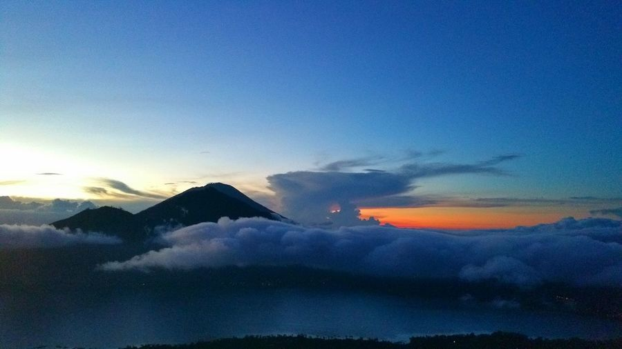 Morning Sky in INDONESIA, Bali, Batur Batur Mountain View Volcano Sky Skyporn Beautiful Place March 2016 Sky_collection EyeEm Best Shots EyeEm Gallery Indonesia_photography Share Your Adventure Check This Out Good Morning Hello World Photography Colorful