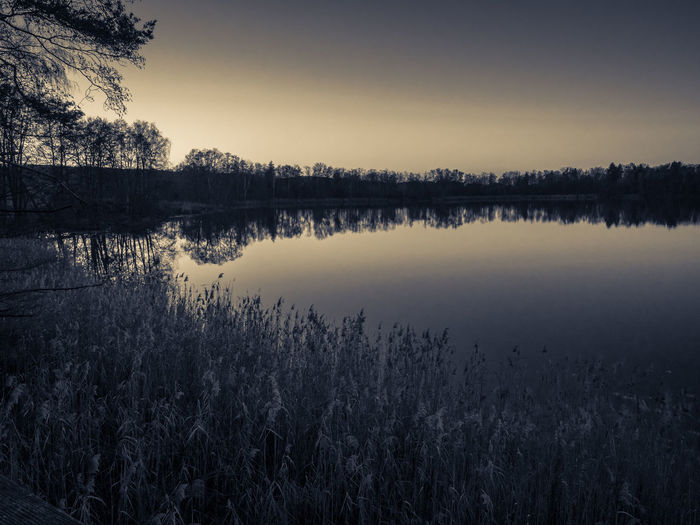 Blackandwhite Lake View Monochrome Outdoors Sea Silouhette Sun Sunrise... Water Olympus OM-D E-M5 Mk.II