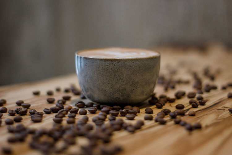Coffee Coffee - Drink Coffee Cup Coffee Time Coffee Break Food And Drink Indoors  No People Roasted Coffee Bean Drink Cup Food Mug Freshness Selective Focus Refreshment Still Life Close-up Table Brown Spice Caffeine Crockery Latte Non-alcoholic Beverage