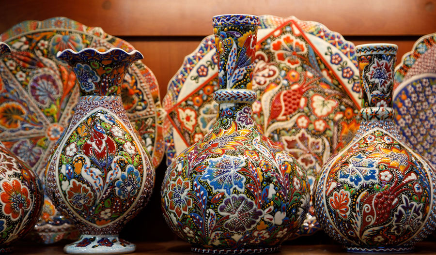 Market Vase Art Multi Colored Art And Craft Pattern Craft Choice No People Close-up Variation Indoors  Large Group Of Objects Design Retail  Creativity For Sale Still Life Market Stall Easter Floral Pattern Sale Ornate Antique Turkey
