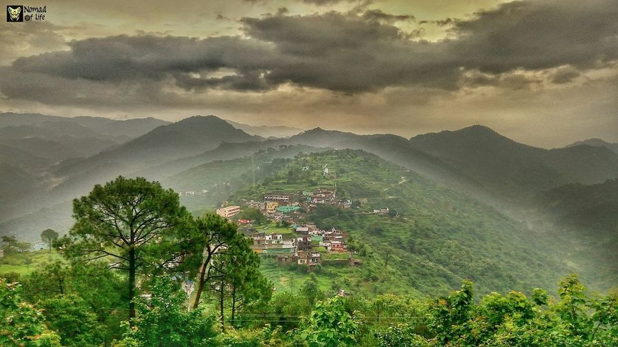 There is always that place where dreams stay 😍🇮🇳 Mountain Landscape Mountain Range Nature Agriculture Scenics Tree Terraced Field Outdoors Beauty In Nature Rural Scene No People Beauty Tea Crop Sky Day Freshness Rainy Days☔ Photography Traveldiary2017 Dramatic Sky Photo Shoot Beauty In Nature Shotoftheday Cloudscape