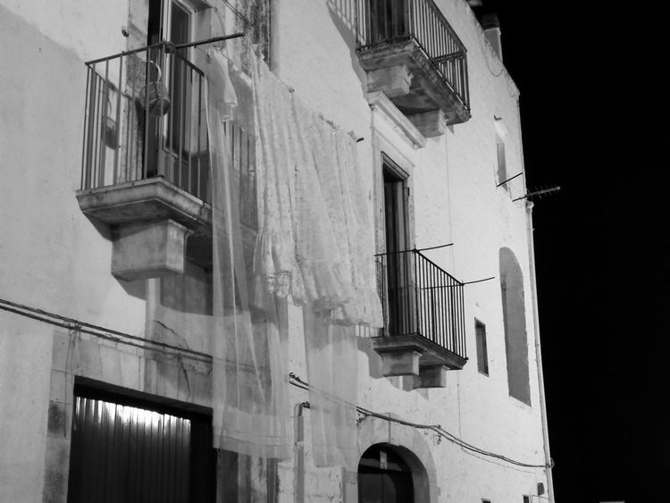 Architecture Built Structure Low Angle View Building Exterior No People Outdoors Architectural Column No Filter, No Edit, Just Photography No Filter No Edit No Filter No Edit Just Photography No Filter No Filter, No Photoshop No Filters Or Effects Italy🇮🇹 Italia Blackandwhitephotography Black & White Photography Blackandwhitephoto