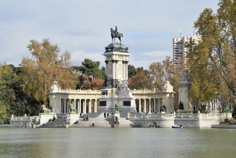 King Madrid Retiro (Madrid) Alfonso Architectural Column Architecture Built Structure Column Day History King - Royal Person Lake Monument Nature No People Outdoors Park Retiro Park Sculpture Sky Travel Destinations