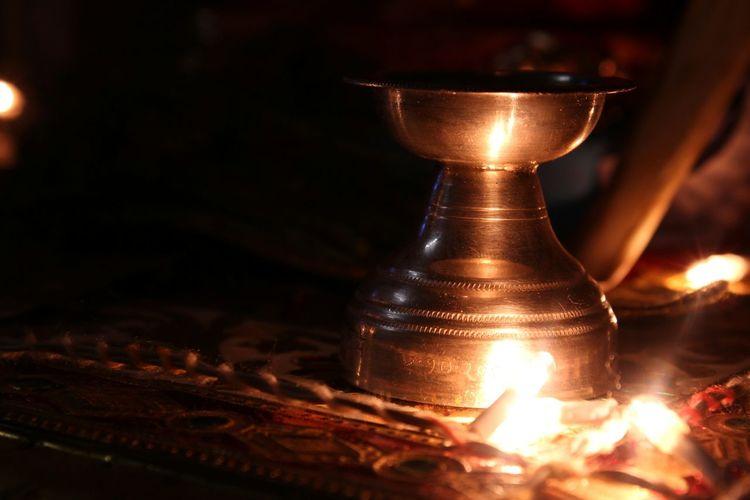 Lamp Lights Divine Divine Lamp Contrast Reflection Of Light
