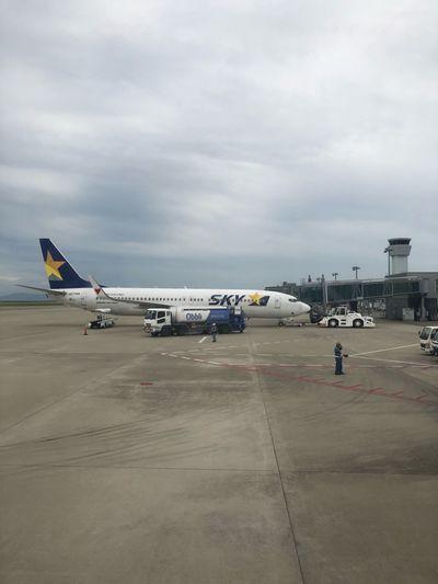 了解しました*\(^o^)/* #スカイマーク #SKYMARK Skymark Airlines Skymark Kobeairport Cloud - Sky Airplane Air Vehicle Transportation Sky Airport Airport Runway