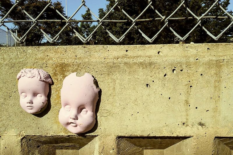 Concrete cherubs Walll Pink Fence Muñecas The Creative - 2018 EyeEm Awards Chainlink Fence Close-up Architecture
