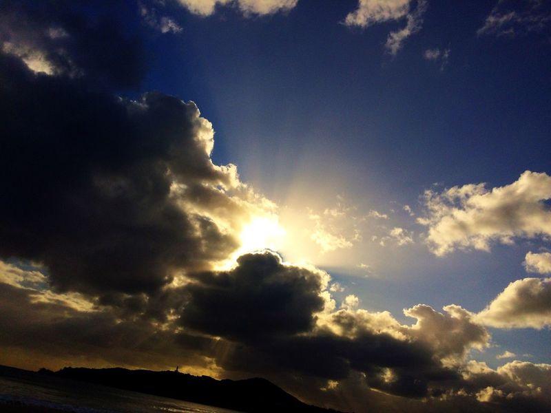 Main Beach Byron Bay Relaxing Hanging Out Sunrise Enjoying Life First Eyeem Photo Sunrise And Clouds Sunrise_sunsets_aroundworld Byron Bay Lighthouse Sunrise Colors Acapturedmoment Photography Adrian McHarg Beach Photography Beach Life