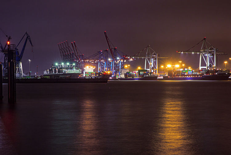 Transportation Pier Shipping  Industry Harbor Water Commercial Dock Crane - Construction Machinery Business Night Waterfront No People Outdoors Ship Mode Of Transportation Illuminated Architecture Machinery Freight Transportation Hamburg Hamburger Hamburg Harbour Hamburger Hafen Lichtsterne