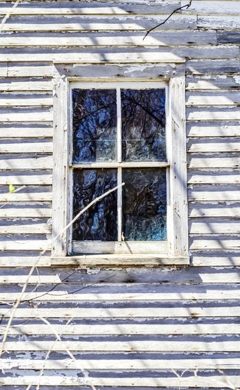 abandoned weathered wood farmhouse window Bradley Olson Bradleywarren Photography Room For Copy Room For Text Copy Space Copyspace Backgrounds Background Farmhouse Window Wood - Material Architecture Close-up Building Exterior Built Structure Weathered Run-down Window Frame Bad Condition Peeling Off Peeled Damaged Closed Deterioration Abandoned Obsolete Broken Ruined Latch Grate