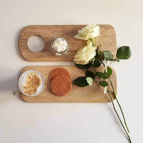 Board Clickandeat Coffee Coffee Time Darling Darlingmovement Flatlay Food Foodphotography Freshness Holdthemoments Latte Minimal Minimalism Morning Roses Simple Photography Simplepleasures Simplicity White White Background Wooden