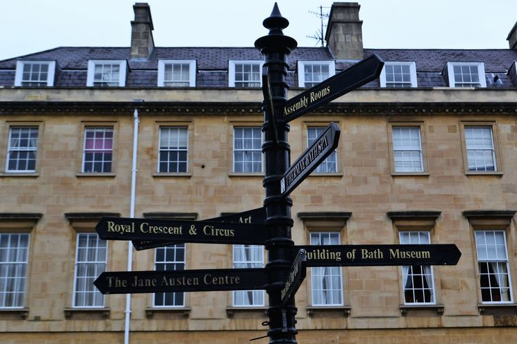 Bath Directional Sign Somerset England Building Exterior Directions England Jane Austen Regency Regency Architecture Royal Crescent