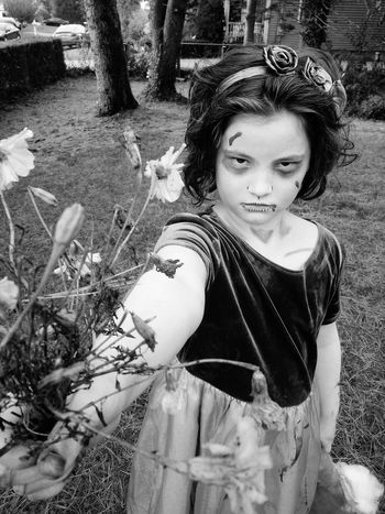 A Bouquet for you... Taking Photos Halloween Creepy My Little Girl Zombiegirl  Fun Wildchild Loving Life  Black And White Flowers