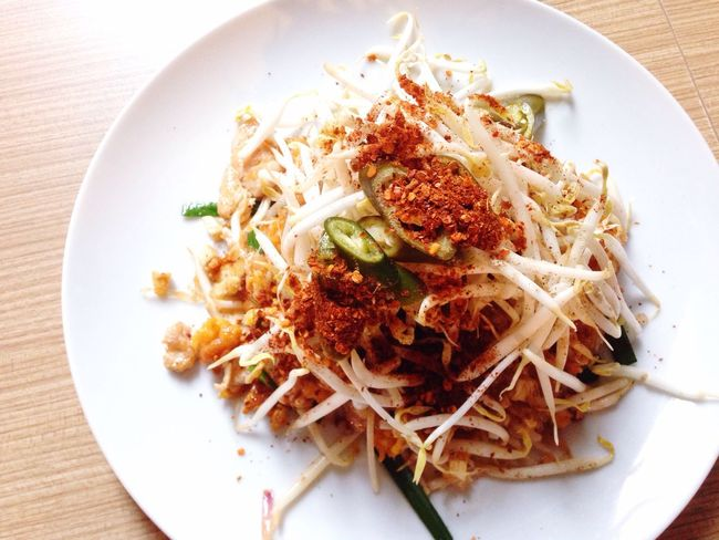 Pad Thai Noodle Fried Chicken Pad Thai Top View Thai Style Lunch Happy Meal Phaya Thai Canteen On The Table Chilli Topping Noodle Under