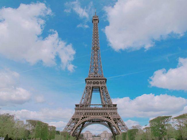 My Favorite Photo Eiffel Tower Paris Bonjour Travel Sunny Day 💕