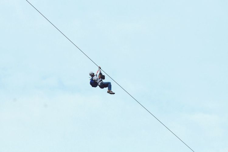 adventurous enjoyment Full Length Hanging RISK Adventure Danger Performance Rope Men Sky Climbing Rope Rock Climbing Ski Lift Free Climbing Clambering Mountain Climbing Climbing Rappelling Safety Harness