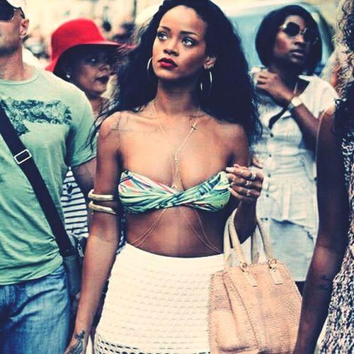 Rihanna♥ Rihannanavy Beautiful Girl Model Singer  Sexygirl Rihannalife