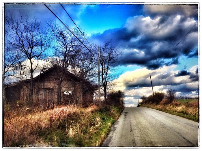 IPadography Old House Sky Porn Pennsylvania Cloudporn Rural America Farm Backroads Abandoned Places Sky And Clouds Countryroads Snapseed Beauty Of Decay Out And About Daily Travel