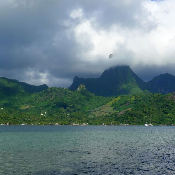Beauty In Nature Cloud - Sky Day Moorea Mountain Nature No People Outdoors Scenics Sea Sky Tranquil Scene Tranquility Water Waterfront
