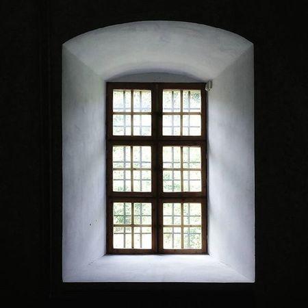 L4l Like4like Flikefirlike Likeme F4F Follow4follow Folliwforfollow Followme Summer Travel Zlochiv Ukraine Ukraine_recommends Window Castle подорож Україна Злочів літо замок вікно
