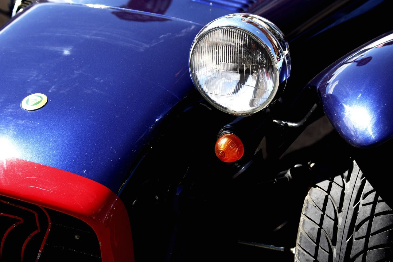 headlight, car, transportation, land vehicle, mode of transport, blue, old-fashioned, outdoors, close-up, day, no people