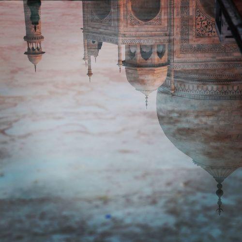Reflection of taj mahal in water