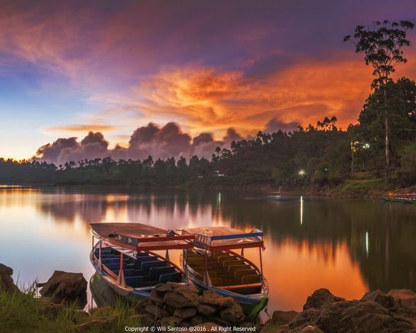 Dusk at Situ Patenggang Bandung Beauty In Nature Ciwidey INDONESIA Indonesia_photography Jawa Barat Nature Situ Patenggang Sunset Tranquility